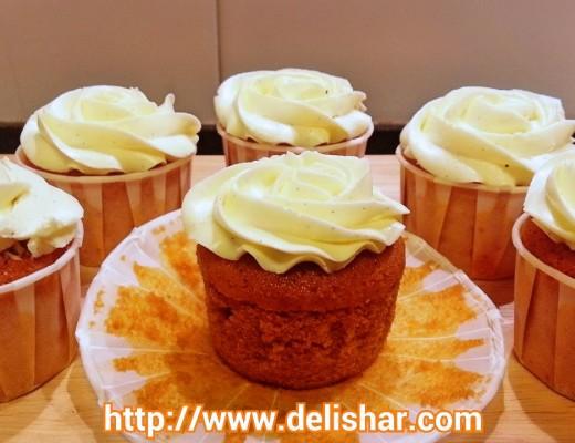 Thai tea cupcakes