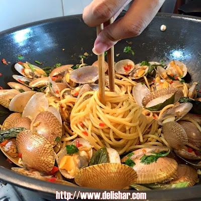 clam-pasta