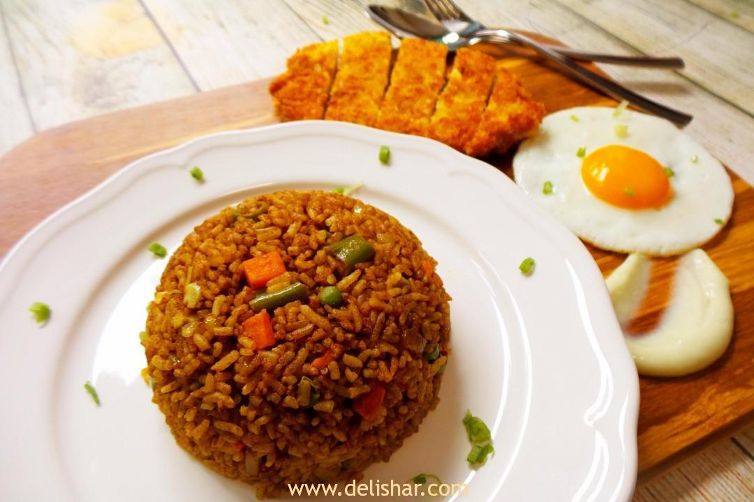 Japanese Curry Fried Rice with Chicken Katsu | Delishar - Singapore ...