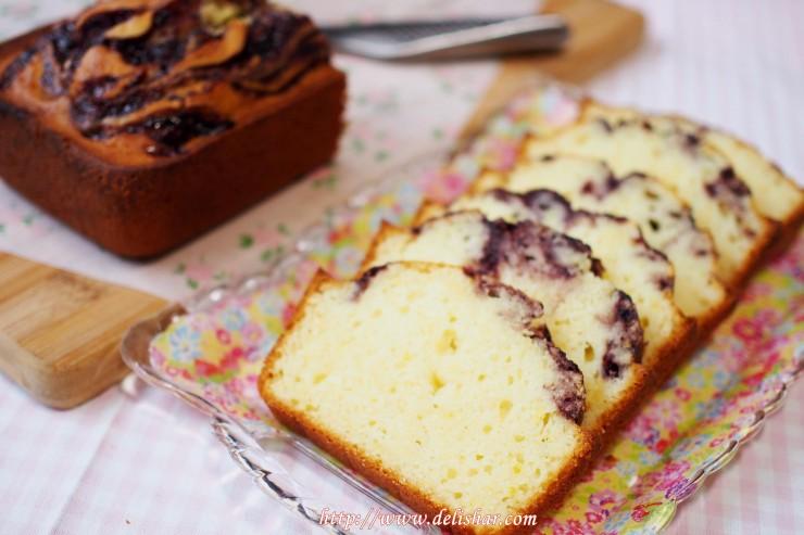 Jam swirled french yogurt cake 7
