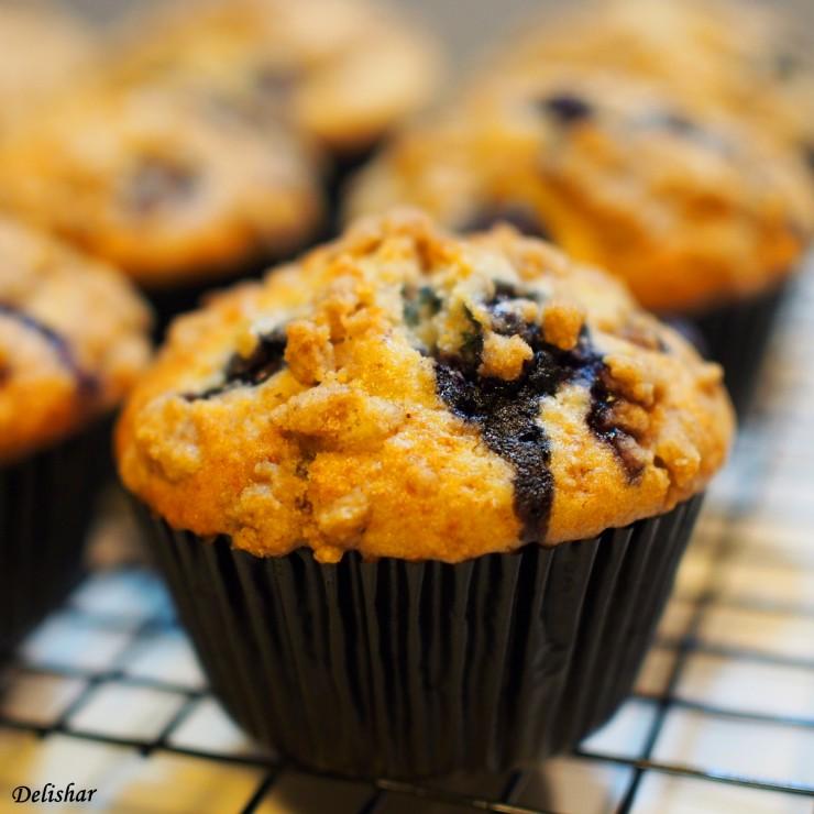 Blueberry strusel muffins 3