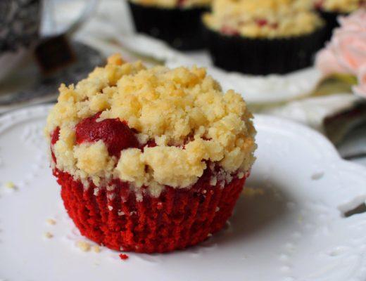 2 red velvet muffin